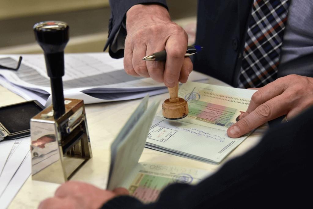 Pass wird mit Stempel versehen